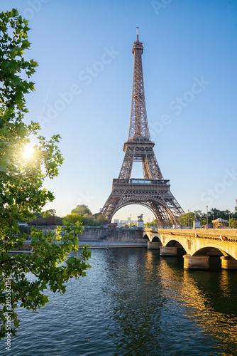 Papiers peints Paris Eiffel tower, Paris. France