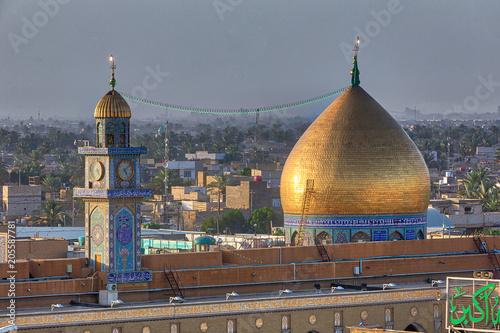 Fotografie, Obraz  The dome over Muslim bin Akil Tomb