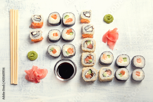 Foto op Canvas Sushi bar Sushi rolls