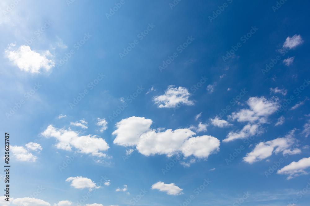Fototapety, obrazy: Blauer Himmel mit weißen Wolken