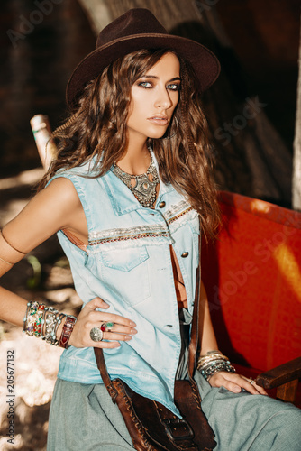 Poster Gypsy girl in jeans clothes
