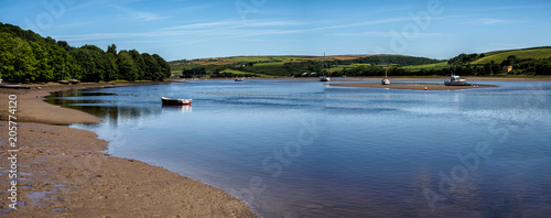 Fotografía  St Dogmaels, Pembrokeshire, Wales  on the estuary of the River Teifi