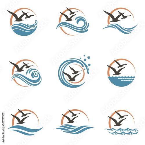 Fototapeta premium abstrakcyjny projekt logo oceanu z falami i mewami