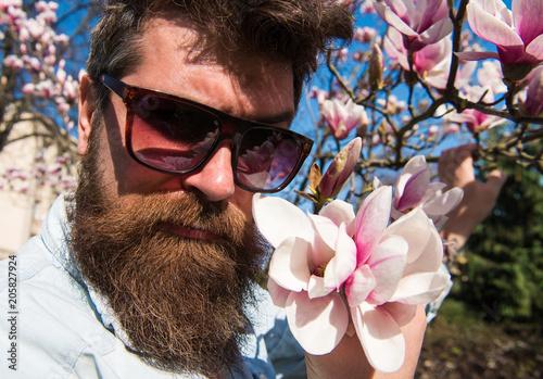 Fotografia, Obraz  Guy looks cool with stylish sunglasses