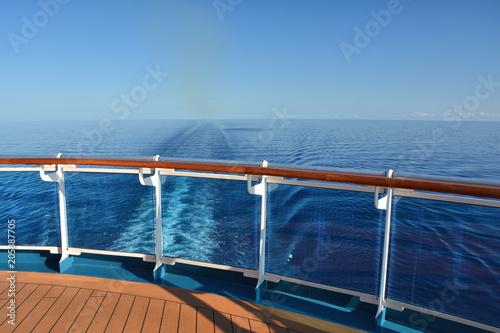 Pinturas sobre lienzo  Cruise ship wake