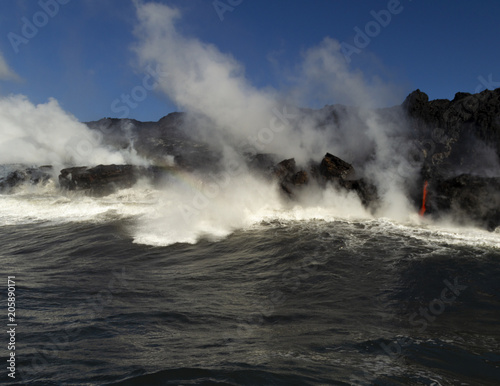 Deurstickers Vulkaan Lava entering the ocean, Big Island, Hawaii