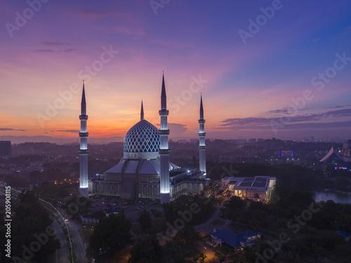 Sultan salahuddin abdul aziz shah mosque (The blue mosque), Kuala Lumpur Malaysi Canvas Print