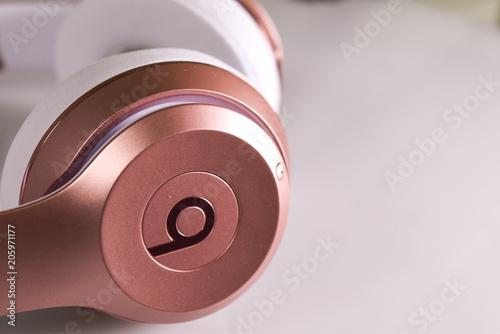 Photo Rose gold dre beat headphones