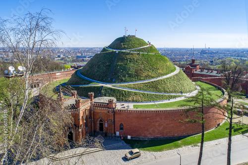 Fototapeta Kosciuszko Mound (Kopiec Kościuszki). Krakow landmark, Poland. Erected in 1823 to commemorate Tadeusz Kosciuszko. Surrounded by a citadel built by Austrian Administration about 1850. Aerial view obraz