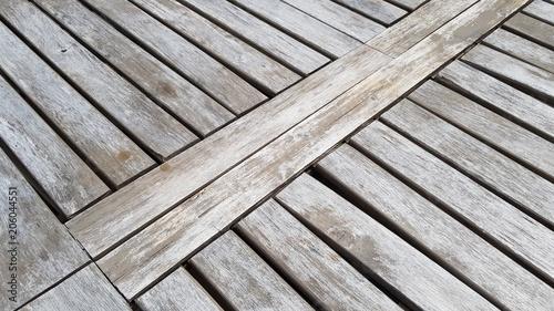détail de table de jardin en bois naturel – kaufen Sie dieses Foto ...