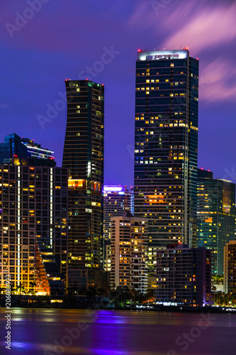 Staande foto Stad gebouw Night long exposure photo of Brickell Miami