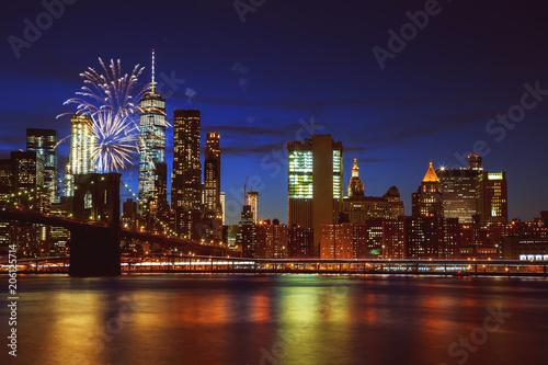 Tuinposter New York City Fireworks over Manhattan, New York City.
