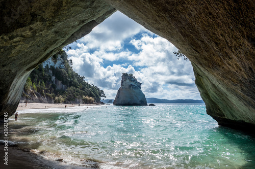 Montage in der Fensternische Cathedral Cove Cathedral Cove - New Zealand