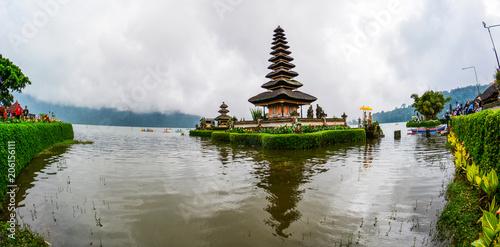 Tuinposter Bali Ulun Danu Temple in Bali, Indonesia