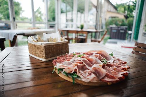 Fototapeta piadina romagnola con affettato come aperitivo estivo