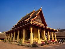 Wat Si Saket Is A Buddhist Tem...