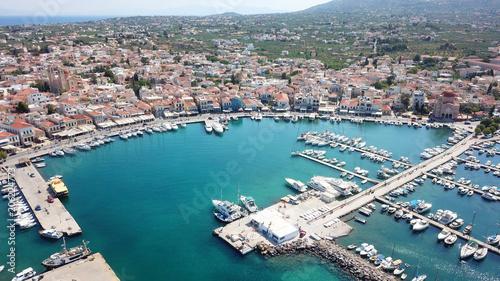 In de dag Schip Aerial drone bird's eye view photo of picturesque port of Aigina island, Saronic Gulf, Greece