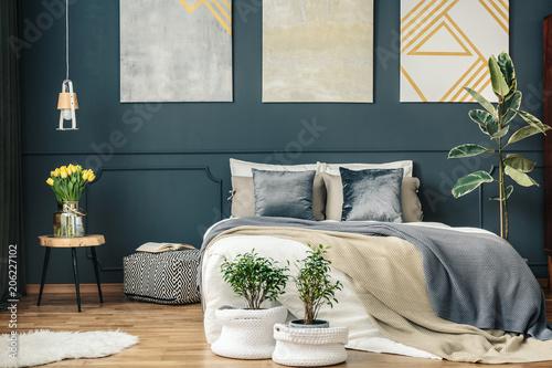 Fotobehang Retro Big bed in bedroom interior