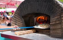 Wood Burning Brick House Pizza Oven