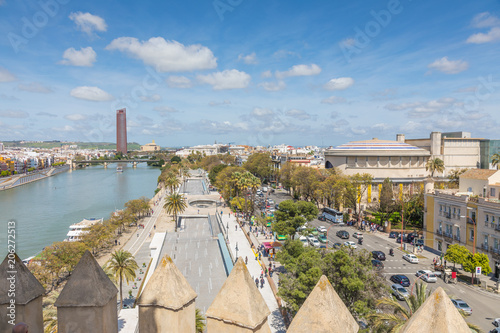 Papiers peints Jardin Vue de Séville depuis la Torre del Oro