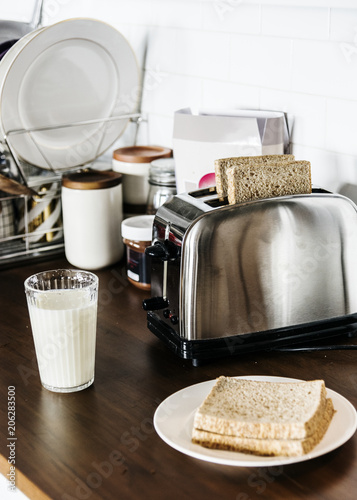 Fotobehang Wintersporten Bread and milk