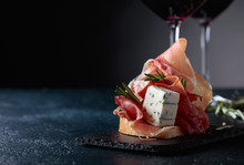 Sandwich With Prosciutto, Blue Cheese And Rosemary .