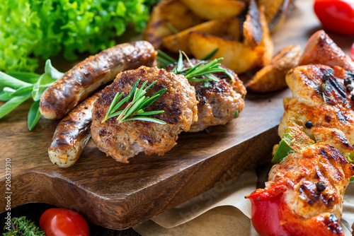 Fotobehang Buffet, Bar Barbecue - Grillen - Fleisch - Catering - Buffet