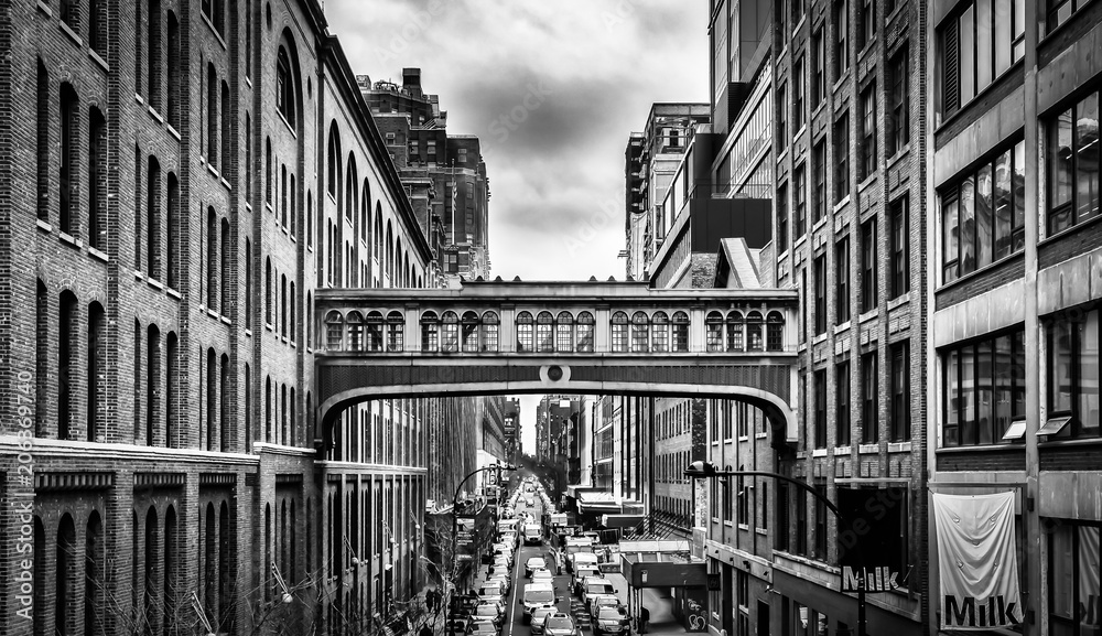 Fototapety, obrazy: New York City,New York, Jan 2018, the  West 15th street skybridge between two buildings above one of downtown Manhattan street