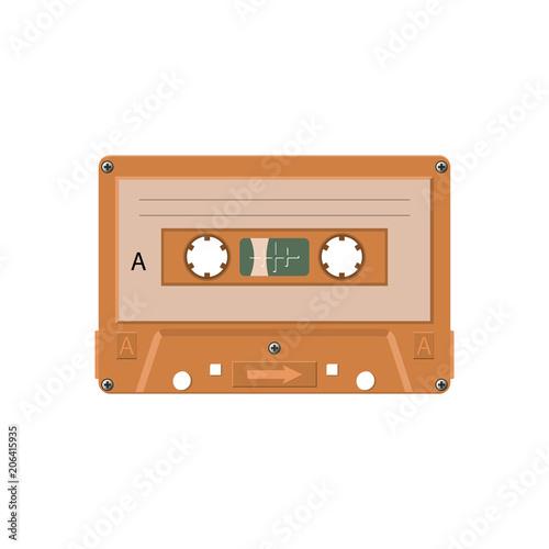 kaseta-magnetofonowa-zblizenie-kolorowa-kaseta-na-bialym-tle