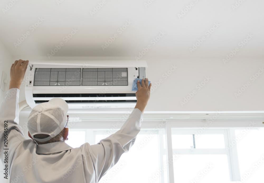 Fototapeta ハウスクリーニング・エアコン