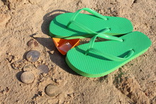 Green Beach Slippers, Paper Bo...