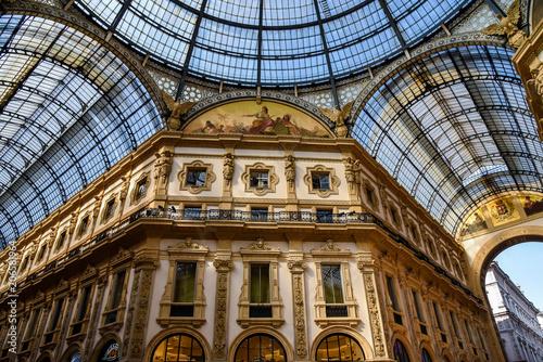 In de dag Milan Gallery Vittorio Emanuele II in central Milan, Italy