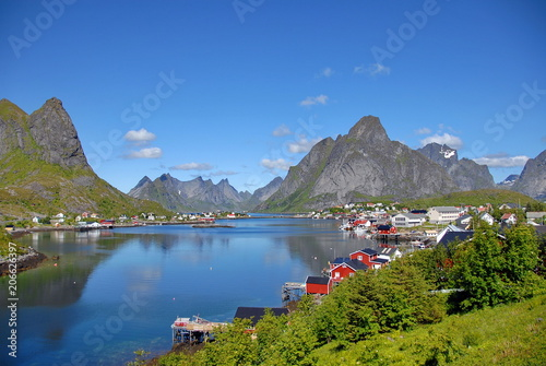 Fotobehang Poolcirkel Norway. Fisherman's village in the Lofoten Islands