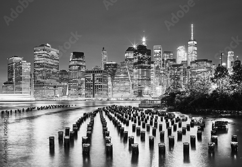 Fototapeta Black and white picture of the New York City at night, USA. obraz na płótnie