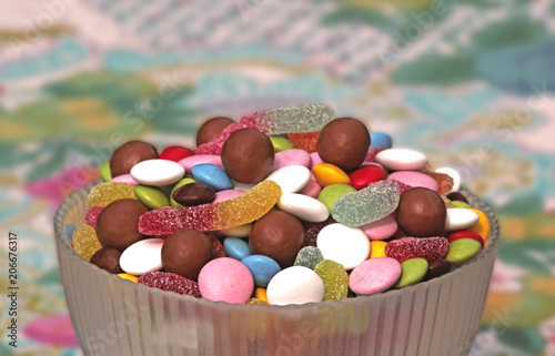 Papiers peints Confiserie bowl with multi colored sweets
