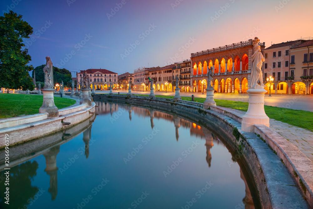 Fototapety, obrazy: Padova. Cityscape image of Padova, Italy with Prato della Valle square during sunset.