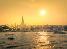 Wat Arun At Sunset Time ,Bangk...