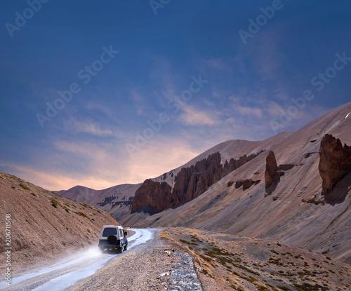 Foto op Plexiglas Cappuccino Himalaya mountain landscape at Manali - Leh highway in Ladakh, North India