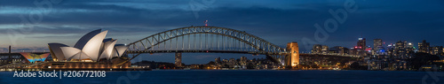 Photo Stands Sydney Sydney harbour at dusk, Sydney NSW, Australia