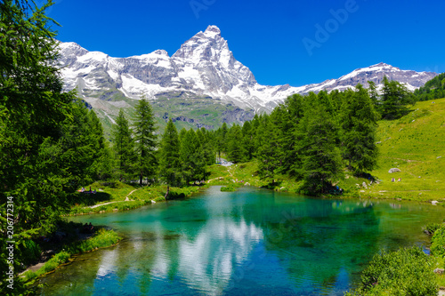 Photo Beautiful landscape with the Matterhorn (Cervino) and another Matterhorn (Cervin