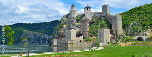 Photo Panoramic view of Golubac fortress