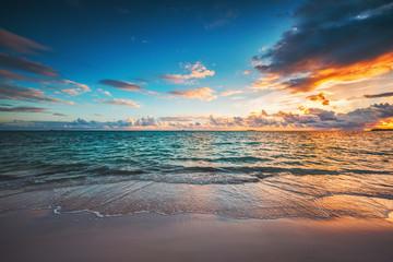 FototapetaBeautiful sunrise over the sea