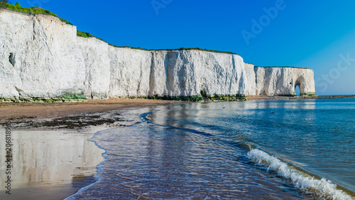 Aluminium Prints Sea View of white chalk cliffs and beach in Kingsgate Bay, Margate, East Kent, UK
