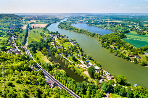 Obraz View of the Seine River at Chateau Gaillard in Normandy, France - fototapety do salonu
