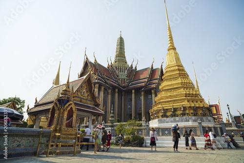 Fotografía  Grand palace and Wat Phra Keaw at sunset Bangkok  Thailand