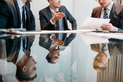 Fotografía marketing department meeting