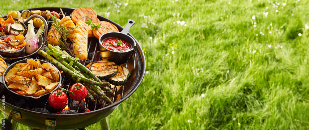 Fototapety, obrazy: Assortment of fresh healthy vegetables on a BBQ