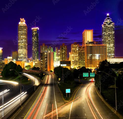 Plakat Ruch w Atlancie w nocy. Georgia, USA