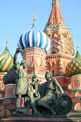 Fototapeta na wymiar blessed basil cathedral and Statue of Minin and Pozharsky