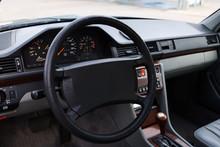 Schwarze Youngtimer Limousine